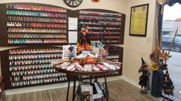Nails Salon 45415